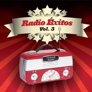 Radio Éxitos, Vol. 3